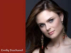 WATCH: Emily Deschanel Nude & Pussy! New Leaked Photos - Desnuda.top