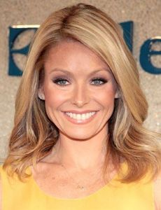Kelly Ripa Nude